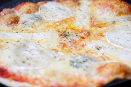 Pizza 4 fromages - Maccenzo